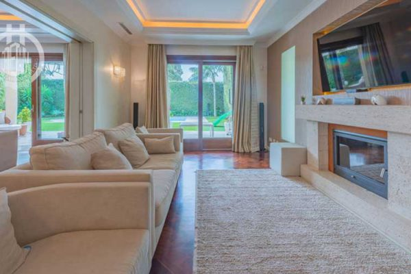 6 bedrooms villa located in Casablanca, Marbella Golden Mile, Marbella