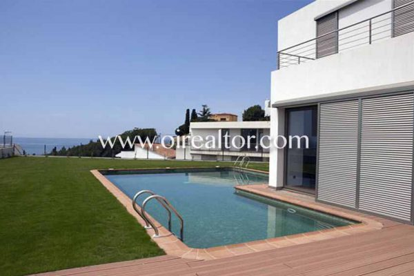 town house in Arenys de Mar