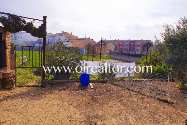 land in Llagostera