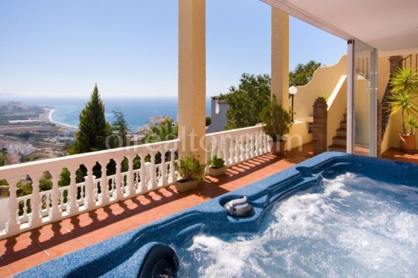 country house in Nerja